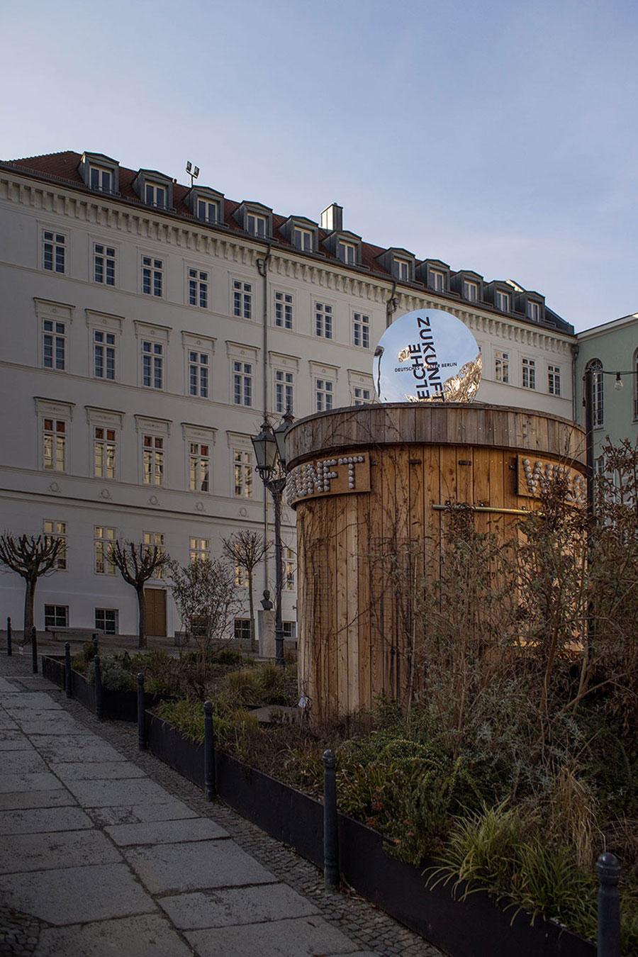 Deutsches Theater Berlin Aussenansicht Welche Zukunft Werbung